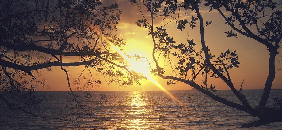 playa pireta sunset