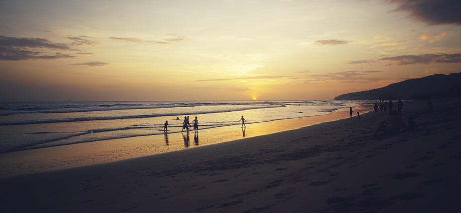 playa grande sunset kids playing