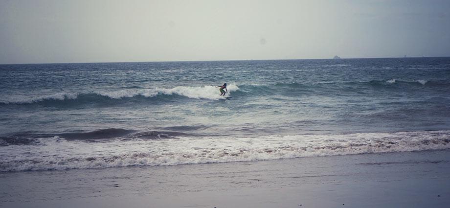 pirate bay man surfing