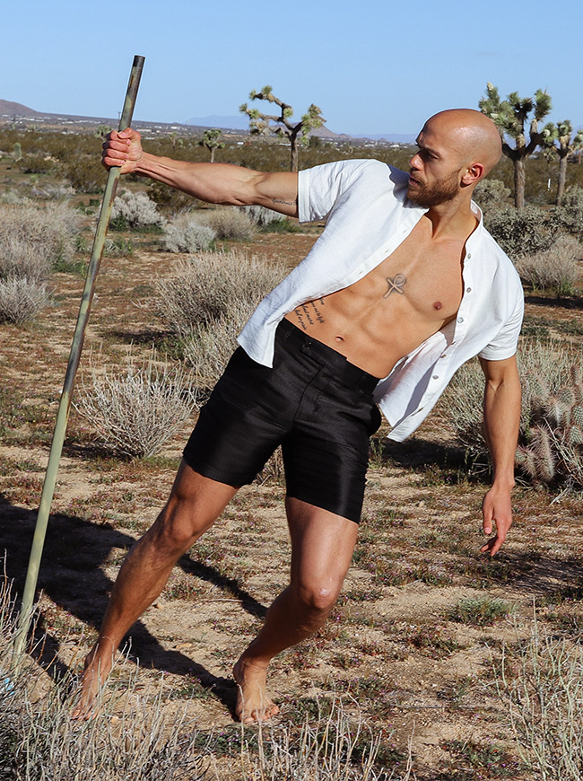 shop-desert-tribe-vagabond-shorts-look-side-shirt-open-with-cane