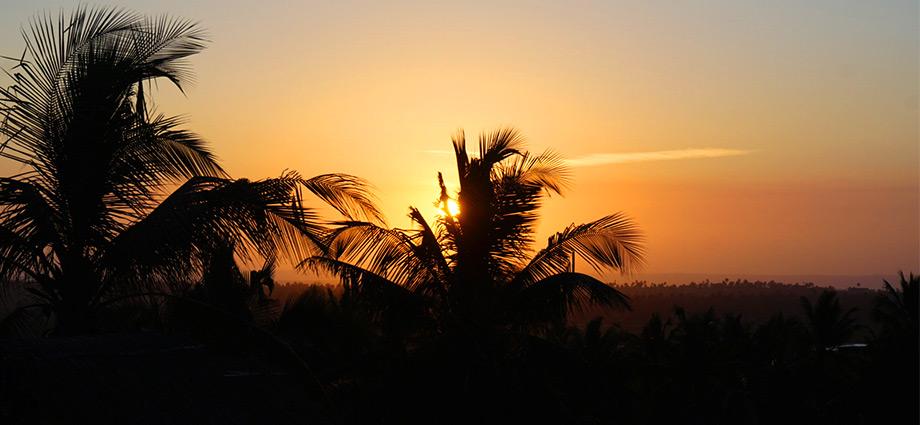 travel-beach-vacation-sunset-barra-beach