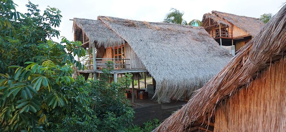 travel-beach-vacation-tree-houses-barra-beach