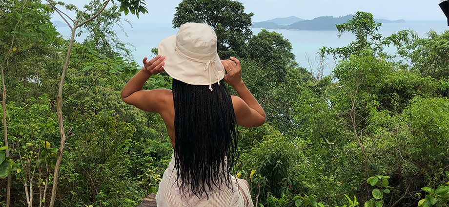 travel-unique-islands-girl-view-hidden-island-close-to-bangkok