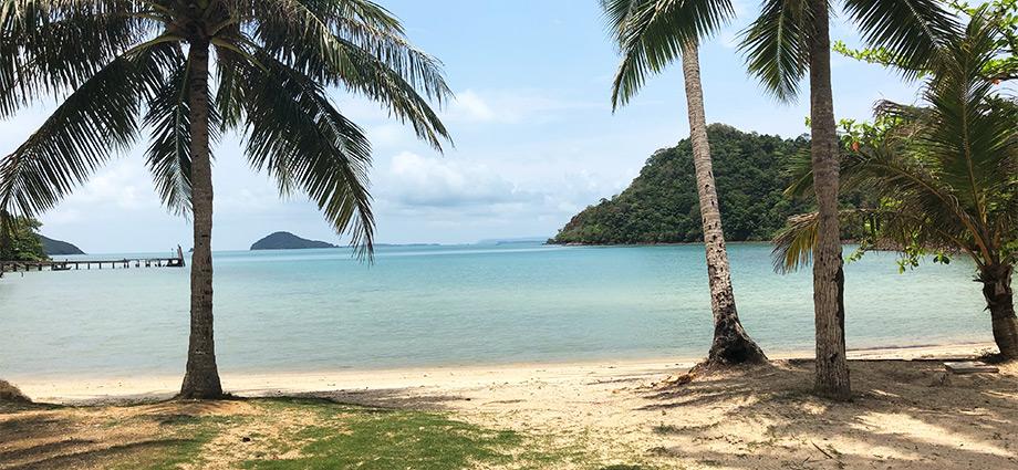 travel-unique-islands-secluded-beach-hidden-island-close-to-bangkok