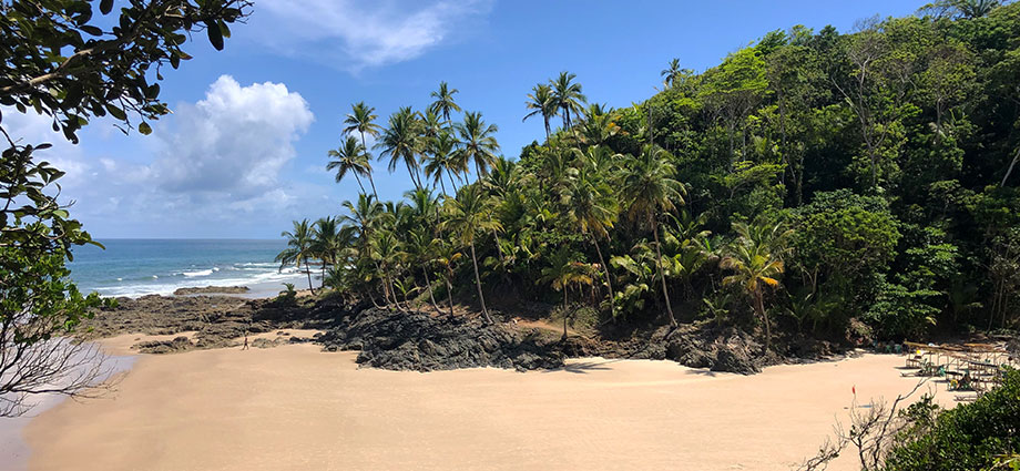 travel-beach-vacation-bahia-brazil-coolest-coast-elongated-beach